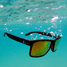 New Material Summer Swimming Float Sun glasses Watersport Fishing Trendy Polarized Floating Beach Sports Sunglasses Mens